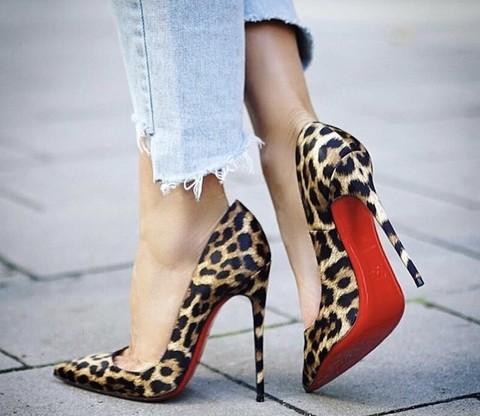 the best attitude 0b182 6944e Solo le scarpe Louboutin possono avere la suola rossa: lo ...