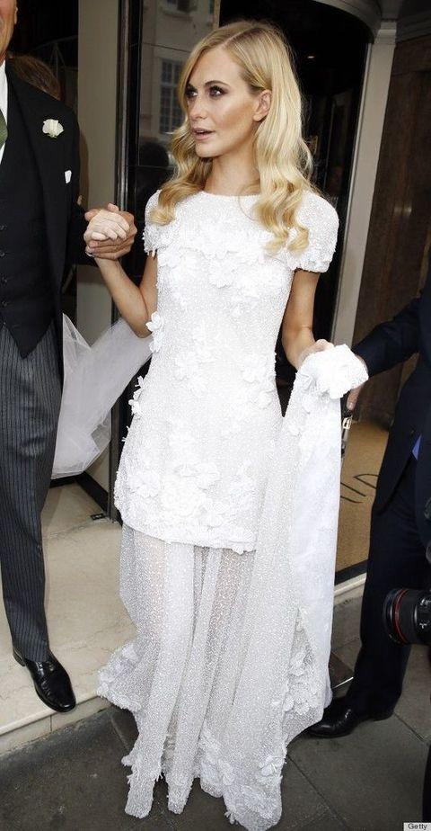 outlet store a5f32 06abc Da Victoria Beckham a Kate Moss, gli abiti da sposa più ...