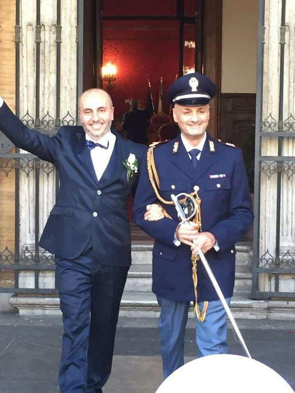 poliziotto italiano gay video