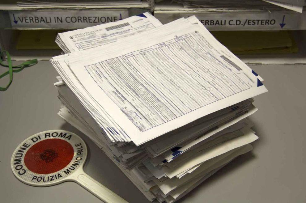 Ufficio Notifiche A Roma : Roma strappavano le multe per aiutare gli amici processo per tre