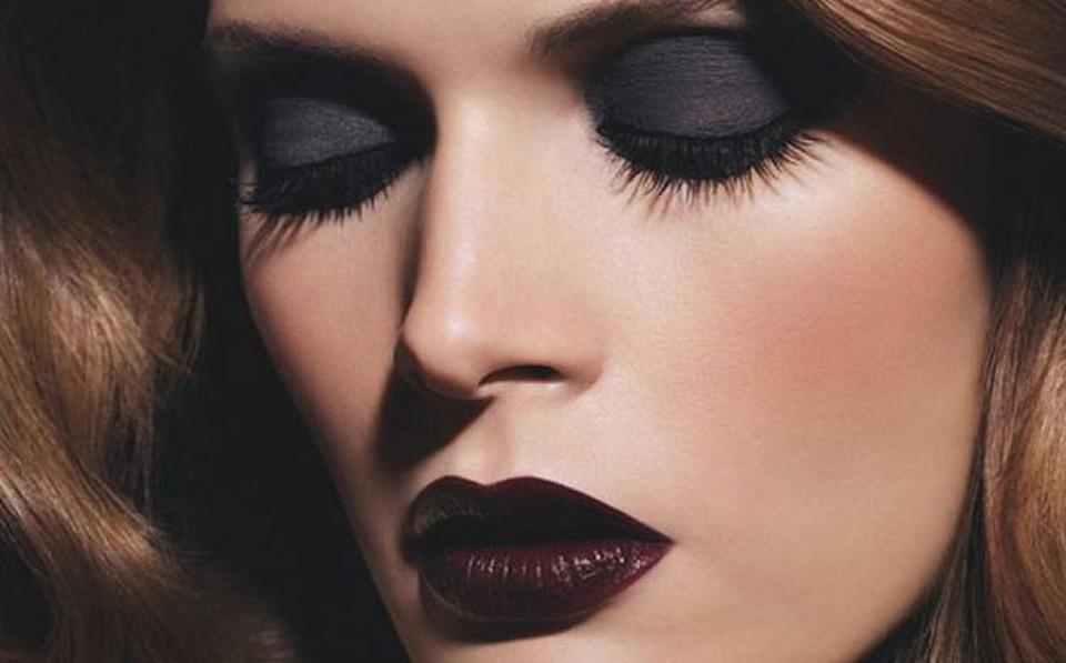 Risultati immagini per rossetto viola dark