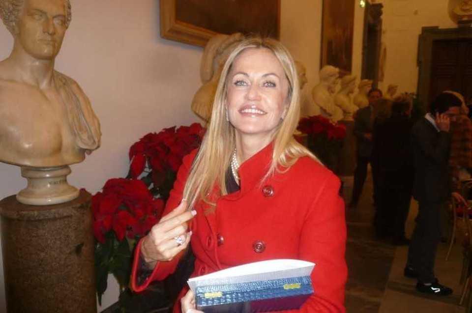 Nicoletta Spagnoli 89ce54f1986