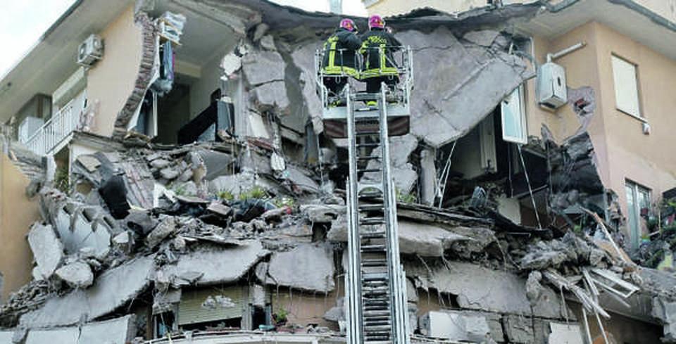 Roma, Crollo Al Flaminio, Il Direttore Dei Lavori Ammette: «Avevamo  Spostato I Muri»