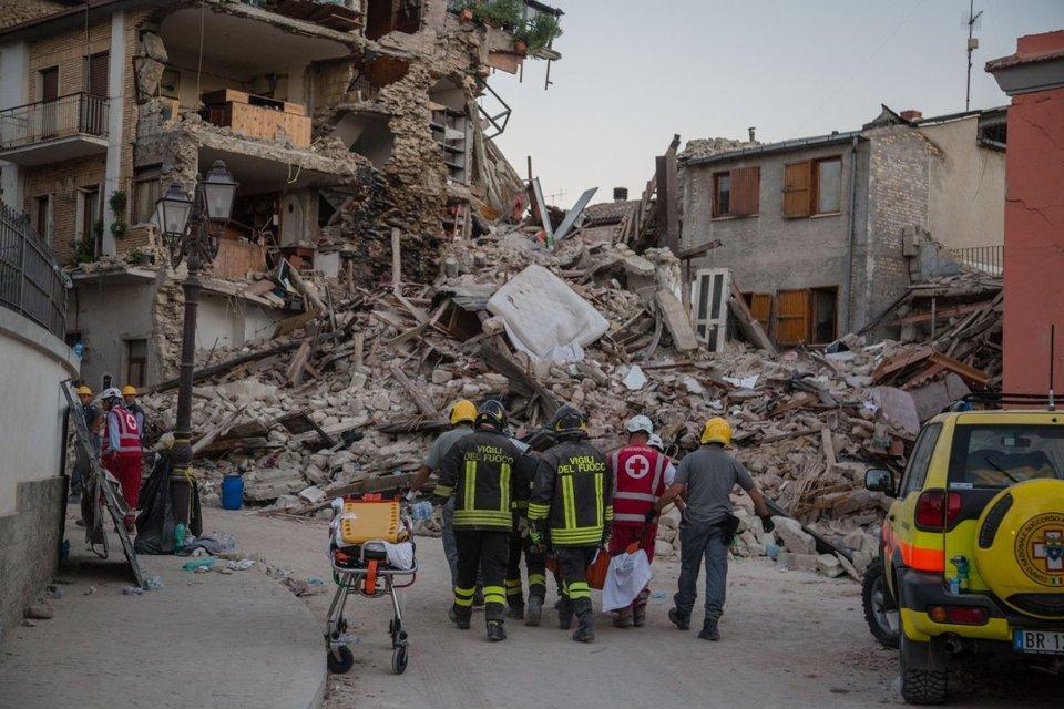 Terremoto, si moltiplicano i casi di sciacallaggio nei paesi distrutti