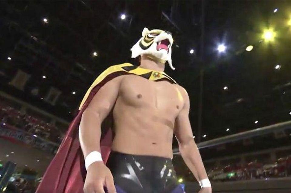 Wrestling il giappone è in delirio sul ring è tornato l uomo tigre