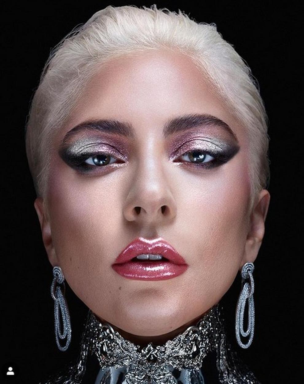 La rivelazione della cantante: «Ho iniziato a truccarmi per essere ...