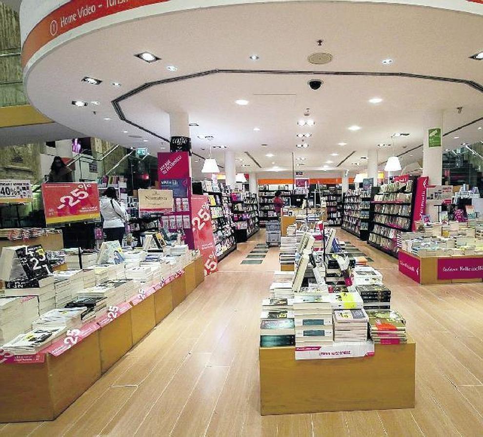 Libreria A Porta Di Roma coronavirus, slitta la riapertura di librerie e negozi per