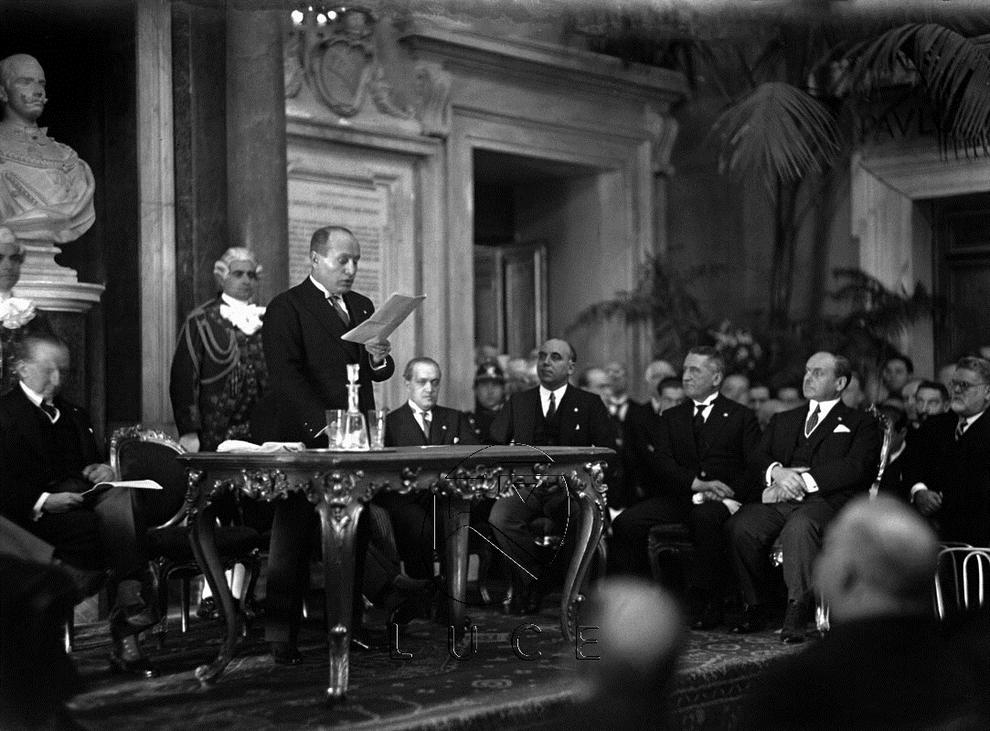 Discorso Camera Mussolini : Gennaio mussolini sancisce la svolta dittatoriale del
