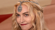 Lato B in vista per Madonna sul red carpet del Met Gala