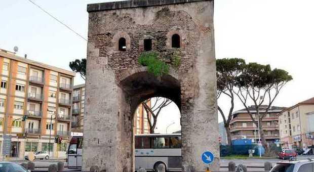 Rieti le fontane di porta romana usate come cestini per i - Porta romana viaggi ...