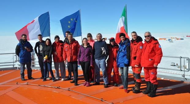 La squadra italo-francese alla base Concordia in Antartide