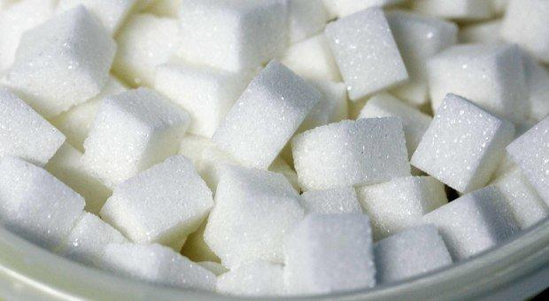 Allerta corpi estranei nello zucchero: i lotti ritirati