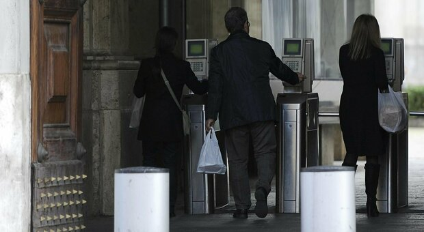 Statali, la battaglia anacronistica dei dipendenti pubblici