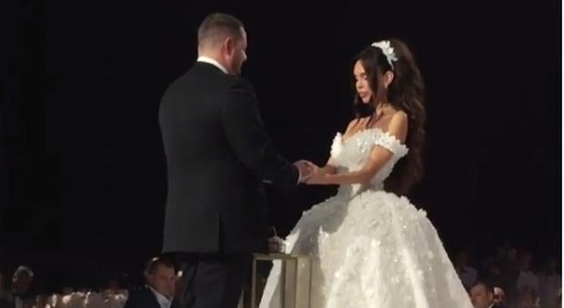 Matrimonio In Russia : Russia il matrimonio più lussuoso dell estate con un