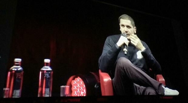 Mainetti, il regista di Jeeg Robot, alla Festa del Cinema.