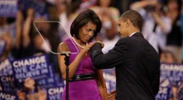 Stretta di mano poco igienica meglio il saluto da rapper con i pugni che piace tanto ad Obama