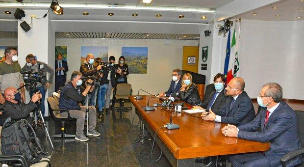 Covid, Marche: DAD al 50% e rinvio dei campionati sportivi