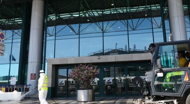 Coronavirus Roma, aeroporto senza passeggeri. «Fiumicino tornerà a volare»