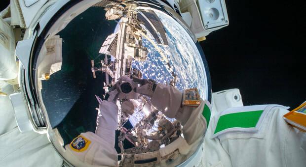 Stazione spaziale internazionale: i primi 20 anni nel futuro e adesso arriva il primo frigorifero Le foto di Paolo Nespoli in mostra
