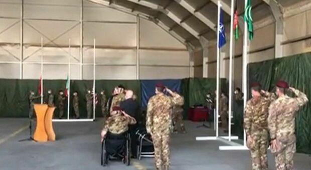 Afghanistan, l'Italia ammaina la bandiera: dopo 20 anni chiusa la missione