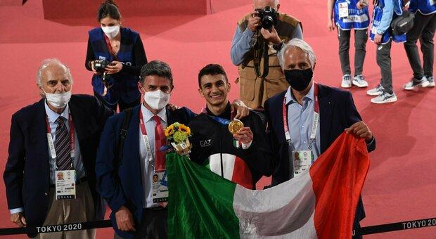 """Vito Dell'Aquila, è grande festa a Mesagne. Il maestro """"storico"""": «Ha lavorato con lealtà»"""