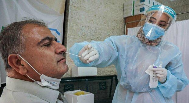 Variante Delta in Israele, oltre 500 casi gravi: sono soprattutto over 60 no vax