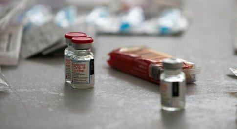 Vaccino, terza dose in autunno? Durata, varianti e mix dosi: domande e risposte