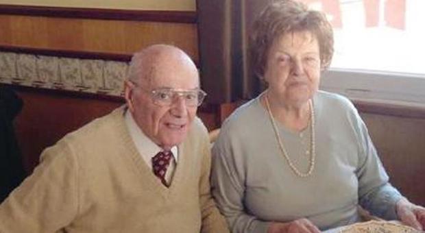 Sposati da 66 anni: muoiono entrambi nel giro di un giorno, la loro storia è commovente