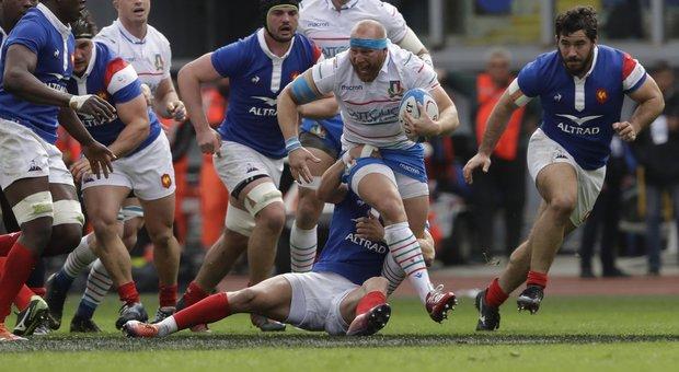 Rugby, rottura del crociato per l'azzurro Ghiraldini: