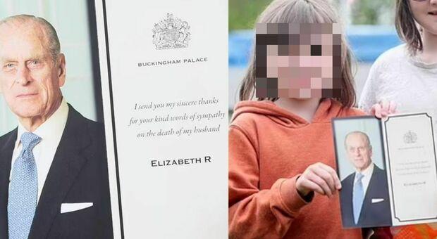 Regina Elisabetta, una bimba le scrive dopo la morte di Filippo: «Mi dispiace». E lei risponde mandandole una cartolina