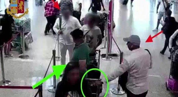 Roma, sgominata banda di 12 algerini: rubavano ai turisti facoltosi da Fiumicino a Termini