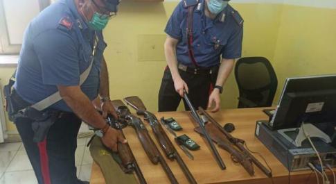 Armi rubate o mai segnalate, scatta la denuncia per un uomo