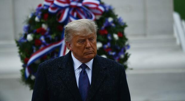 «Trump potrebbe non concedere mai la vittoria a Biden», la Nbc: alla Casa Bianca situazione insostenibile