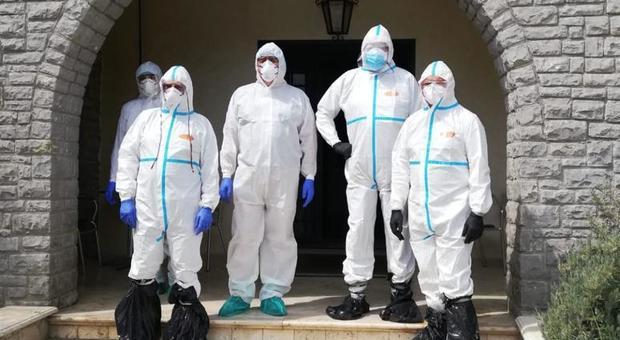 I medici impegnati nei controlli alla casa di riposo di Fiano