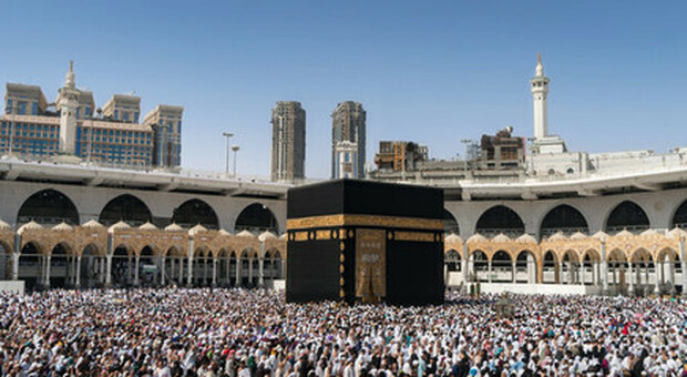 Covid, i pellegrinaggi alla Mecca possibili solo ai musulmani immunizzati