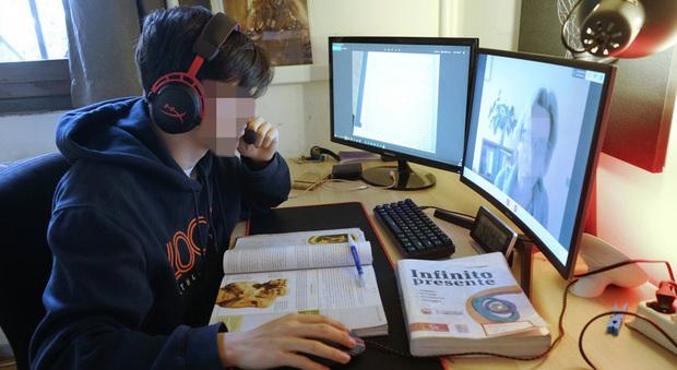 Caos didattica a distanza: due studenti su dieci non riescono a seguire le lezioni online