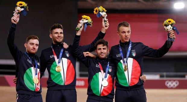 Ciclismo, Italia oro inseguimento al record del mondo (3'42''032). Ganna recupera 8 decimi negli ultimi 3 giri