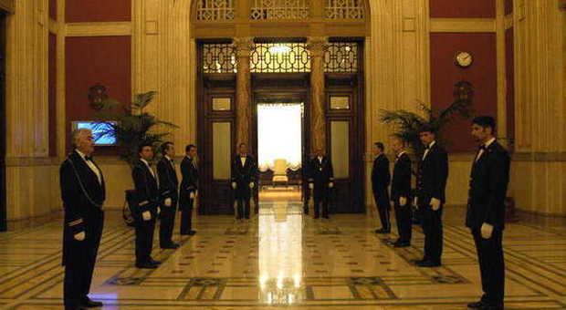 Camera i deputati aboliscono il tetto agli stipendi dei for Dipendenti camera dei deputati