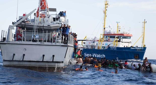 Caso Sea Watch, l'ipotesi del sequestro della nave: la procura apre un'inchiesta