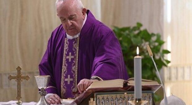 Coronavirus, Papa Francesco: «Preghiamo per i carcerati». E la Caritas preme Conte: «Fate uscire i più fragili»