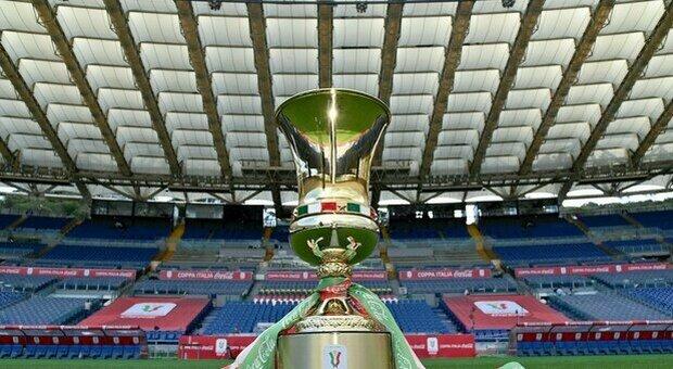 Atalanta-Juventus, tensione fra tifoserie. Totti insultato, ma lui minimizza: «Bello tornare allo stadio»