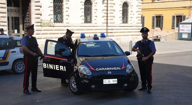 Maxi controllo dei carabinieri a Perugia, scattano multe, denunce e un arresto. Ecco cosa è accaduto
