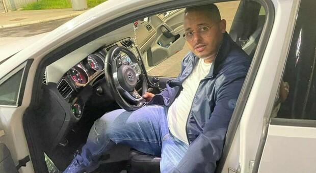 Chi era Adil Belakhdim, il sindacalista morto investito da un tir a Novara