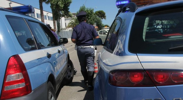 Roma, si fingeva chirurgo estetico e operava in uno scantinato: arrestata donna brasiliana
