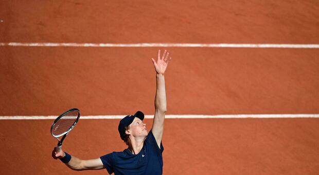 Roland Garros, 5 italiani al terzo turno: Fognini, Cecchinato, Sinner, Musetti e Berrettini. Eliminate la Giorgi e la Paolini
