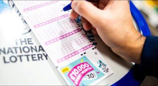 Coronavirus, licenziato per il Covid-19 vince quattro milioni di dollari alla lotteria