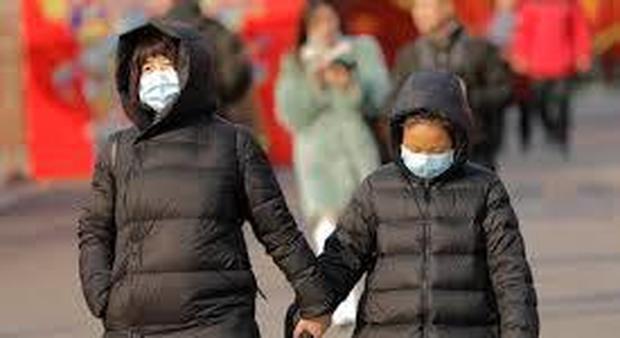 Virus Cina, l'imprenditrice rientrata in Italia: «Niente controlli in aeroporto, rischi altissimi per il Capodanno»