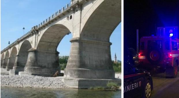 Treviso, 31enne si getta dal ponte con il figlio: lei muore, il bimbo non è in pericolo di vita