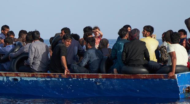 Migranti, Oim: «Naufragio nel Mediterraneo, si temono 150 dispersi»