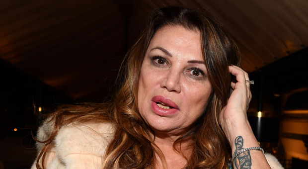 Serena Grandi condannata per il fallimento del suo ristorante: chiuse senza pagare i dipendenti